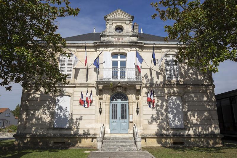 Ville de Chaniers - Mairie