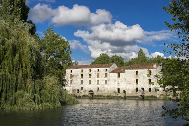 Ville de Chaniers - Moulin de la Baine