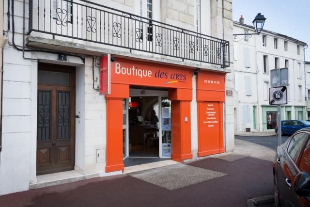 Boutique des Arts à Saintes - façade